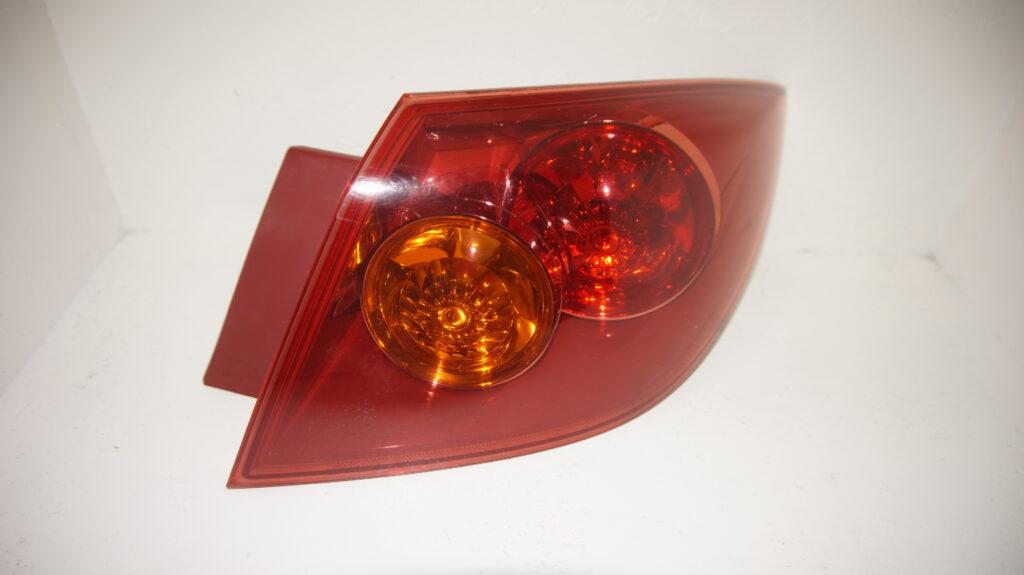äussere Rückleuchte re. - Mazda 3 (BK)